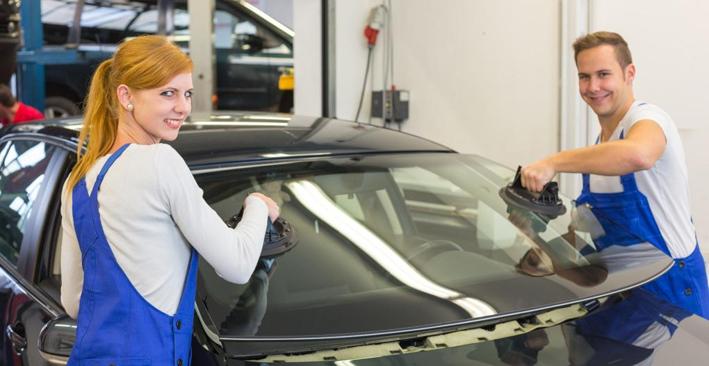 You are currently viewing Auto Glass Replacement Costs Victoria BC