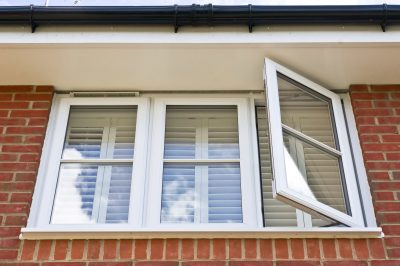 Read more about the article Why Vinyl Should Be Your Next Window Choice